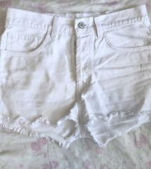 Basic fehér rövidnadrág