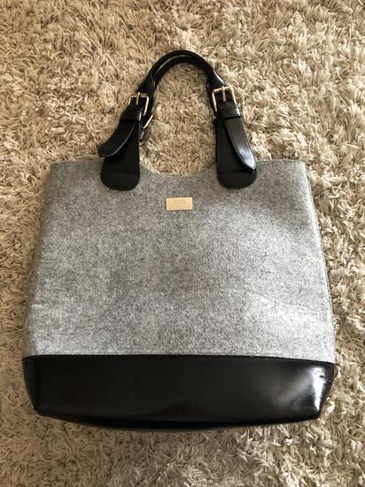 Boss szürke fekete táska