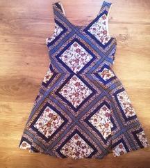 Gyönyörű mintás ruha