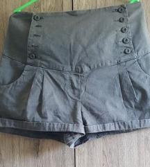 Szürke rövidnadrág