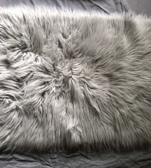 Átvételre vár Új világosszürke pihe-puha szőnyeg