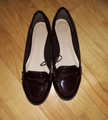 Meggybordó  lakkbőr alkalmi loafer