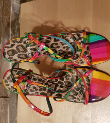 Magassarkú cipő 36-os új