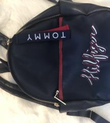 Hilfiger táska