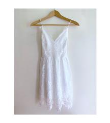 Csipkés hátul fűzős ruha (XS-S)