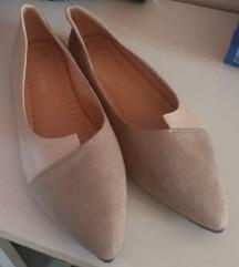 Új 37-es cipő