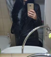 Szőrmés műbőr kabát