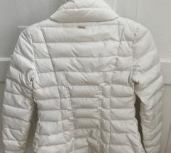 ... GUESS fehér téli toll kabát c91df5fad4