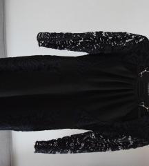 Alkalmi fekete ruha csipkés karrésszel
