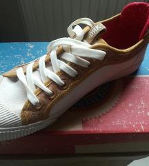 Eladó Dorko Low cipő