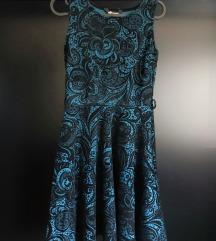 Puha, fodros kék-fekete ruha