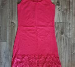 Rózsaszín csipkés ruha