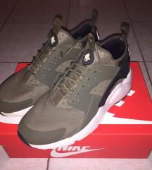 Nike Huarache 45-ös