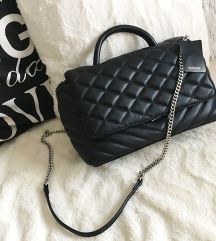 LEÁRAZTAM ÚJ címkés Mango fekete láncos táska