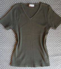 M, 38 - Sötétzöld pamut póló, V-nyakú