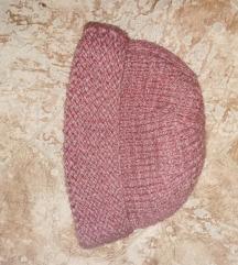 mályva színű kötött sapka