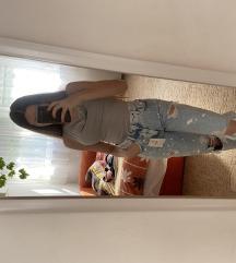 Új CÍMKÉS Bershka Straight Ripped Jeans