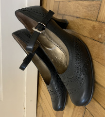 Pántos bőr cipő