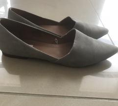 Szürke velúr cipő