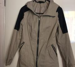 Világos kabát