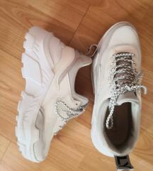 Only cipő