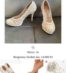 Csipke menyasszonyi cipő