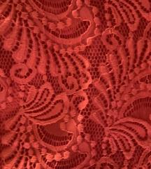 Piros csipkeruha