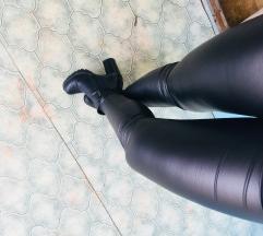 Eladó bőrhatású nadràg M/L méret