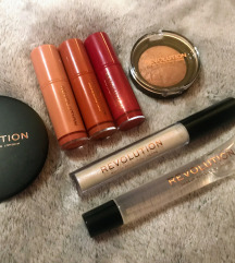 MAKEUP REVOLUTION sminkcsomag