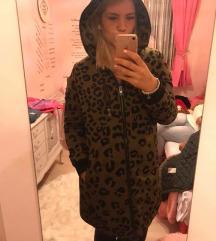 Leopárdos kabát