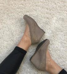 Nude arany köves telitalpú cipő