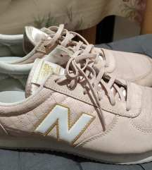 New Balance cipő 41 púder színű
