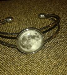 Ezüst színű Hold karperec
