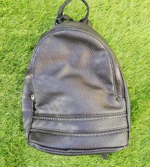 Új fekete hátizsák