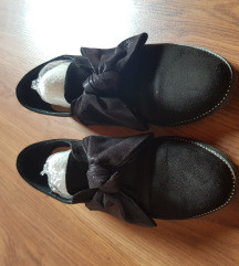Fekete elegáns masnis utcai cipő