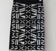 Fekete-fehér mintás ceruzaszoknya
