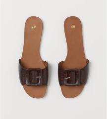 H&M csatos papucs