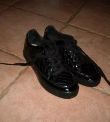 Geox lakozott  cipő - 25 e ft volt