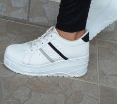 Platform sportcipő