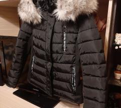 Téli kabát óriási szőrmével