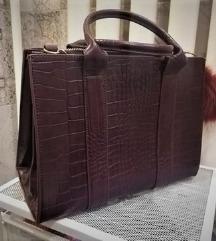 Használatlan,új  Bershka kígyóbőr táska pompommal