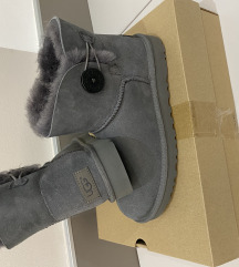 Ugg bailey button bling 39