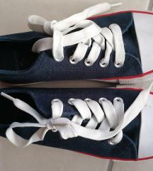 33-as Sinsay vászon cipő