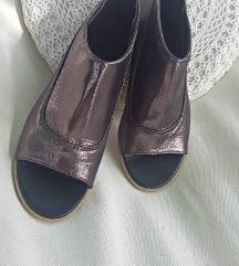 Metál színű szuper  cipő 38-as méretben,  eladó !