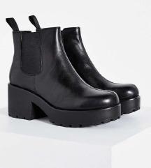 <b> H&M platform chelsea bokacsizma <b>
