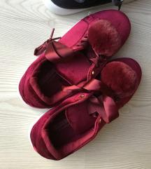 Új pompomos cipő 37