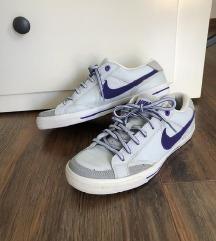Nike edzőcipő 38.5
