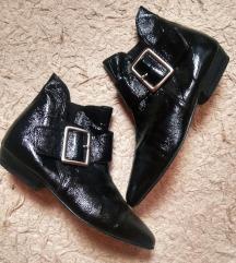 Fekete lakk bokacipő- 36