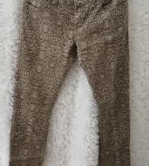 Kígyóbőr mintás nadrág
