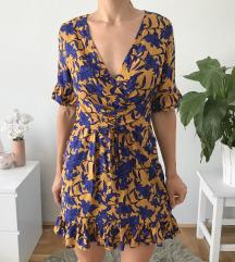 Fűzős virágos ruha